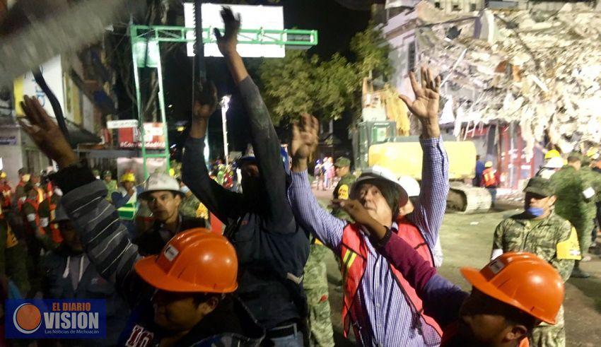 Grupo de Oro, solidaridad con damnificados de Terremoto 7 1