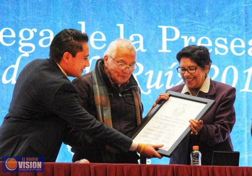 Ma. Guadalupe Castañeda Ríos y Gildardo Zalapa León, reciben la Presea Eduardo Ruíz Álvarez - El Diario Visión